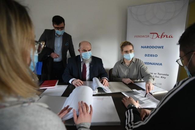 Prawnicy z Fundacji Dobra w Toruniu zapraszają zadłużonych na darmowe konsultacje do 29 marca.