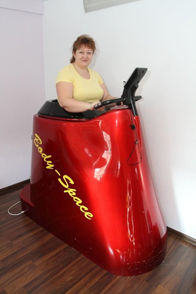 Małgorzata Stawiak-Ososińska podczas ćwiczeń w urządzeniu Body Space.