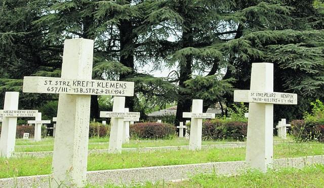 Na cmentarzach wojskowych we Włoszech są setki, a może tysiące śląskich grobów i to też jest tragedia górnośląska