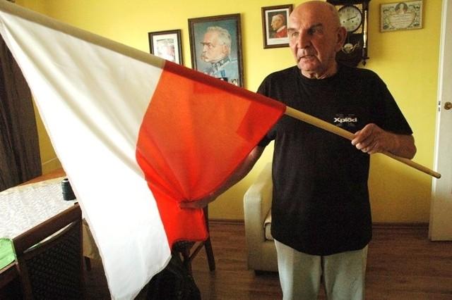 - We wszystkie święta wywieszam flagę naszego kraju. Zrobię to także w niedzielę, bo niedziela to święto i odbędą się wybory – mówi Andrzej Serafin