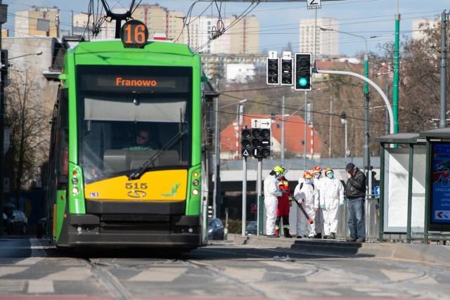 MPK Poznań: Od poniedziałku więcej osób wejdzie do autobusu i tramwaju