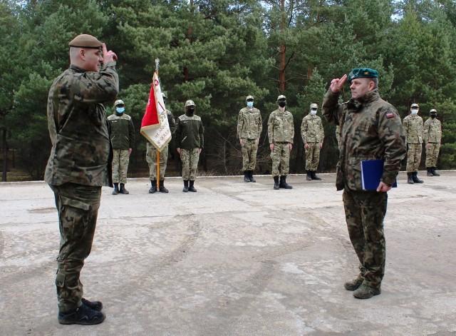 Uczniowie Zespołu Szkół nr 1 w Golubiu-Dobrzyniu wzięli udział w szkoleniu poligonowym zorganizowanym przez Centrum Szkolenia Wojsk Obrony Terytorialnej wToruniu