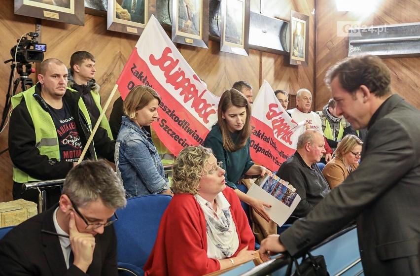 Związkowcy ze Szczecina walczą o większe podwyżki w miejskiej budżetówce