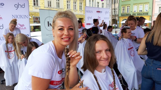 """Zrób sobie fryzurę i pomóż chorej Amelce - akcja """"Daję Głowę"""" po raz kolejny we Wrocławiu"""