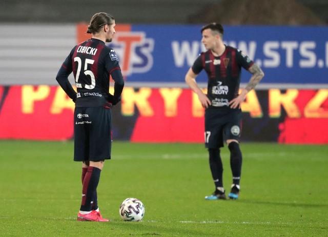 Wątpliwe, by Paweł Cibicki wrócił szybko do piłki nożnej, a powrót do Pogoni jest raczej wykluczony.