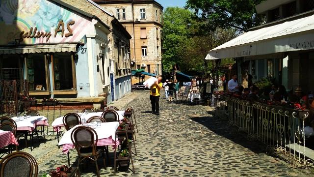 Rakija, serbska muzyka i smakowite dania - to wszystko dostaniemy na Skadarliji