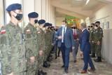 Minister Czarnek odwiedził w Tomaszowie Mazowieckim. Spotkał się z nauczycielami i uczniami szkoły w ZSP nr 1 i Szkół Katolickich