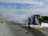 Wypadek na A1. Spłonął bus pod Piotrkowem. Zderzenie ciężarówki i dwóch busów na wysokości Parzniewic!