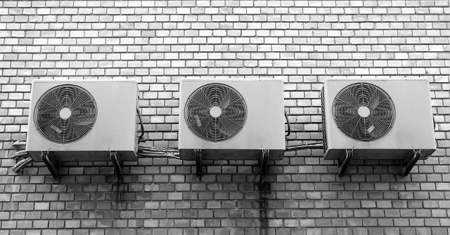 Mechaniczna wentylacja z odzyskiem ciepłaWentylacja mechaniczna z GPWC pozwala na oszczędność do 30% kosztów ogrzewania w ciągu roku.