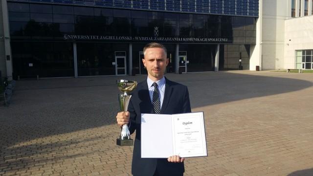 Złoty Puchar Pytii za najlepszy sondaż przed drugą turą wyborów prezydenckich dla Polska Press Grupy, w skład której wchodzi Express Ilustrowany