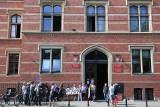 Tęczowe flagi pod wrocławskim sądem. O co chodziło?