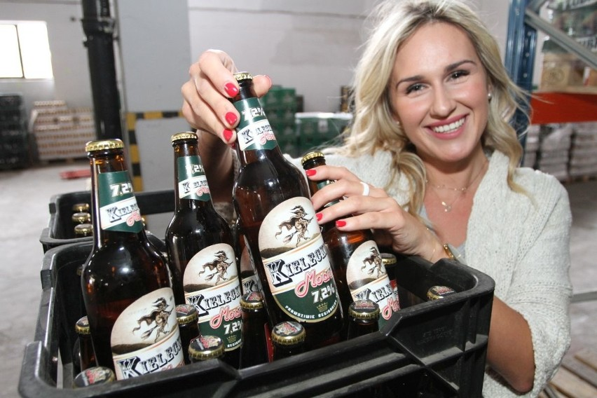 Katarzyna Czechowska prezentuje  Piwo Kieleckie, które jest już na rynku.