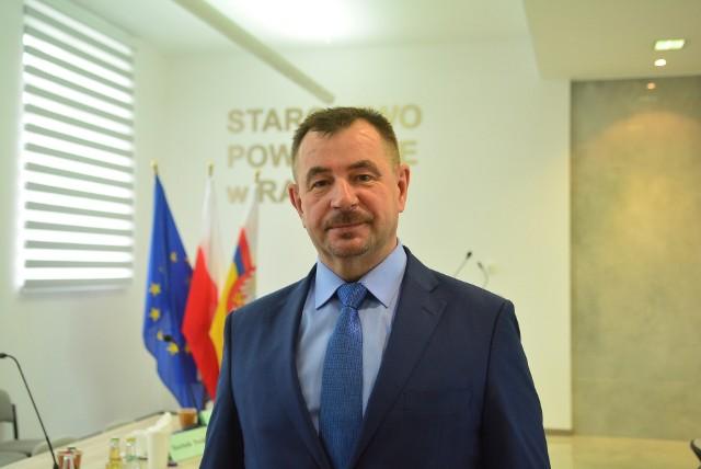 Starosta radomski Mirosław Ślifirczyk: - Jeśli budżet Radomia nie zostanie uchwalony, powodzenie naszego wniosku jest uzależnione od późniejszych głosowań radnych na temat poszczególnych inwestycji.