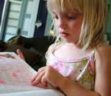 Zbyt wczesna nauka języka obcego może dziecku zaszkodzić
