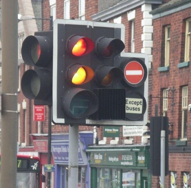 Miejski Zarząd Dróg zamierza zsynchronizować światła na trzech trasach wylotowych