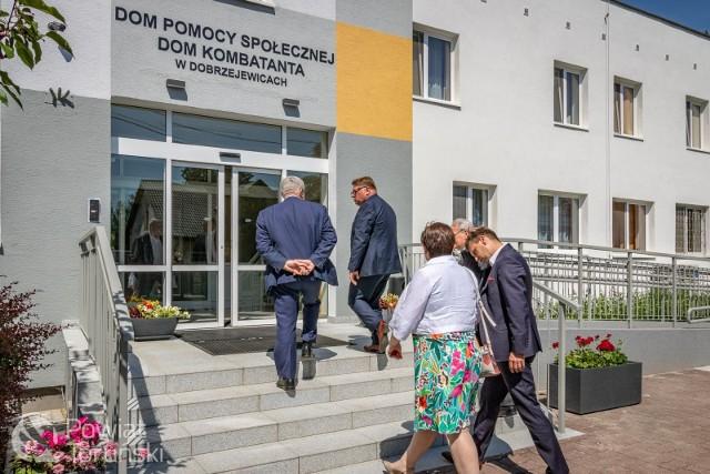 Nowa Poradnia Psychologiczno-Pedagogiczna w Dobrzejewicach w gminie Obrowo wreszcie została oficjalnie otwarta. Uroczystość odbyła się w poniedziałek