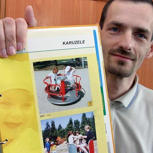 - W części dla maluchów na pewno będzie można poszaleć na karuzeli - zachwala nowy plac zabaw Jacek Jurkowski z Miejskiego Zarządu Dróg i Zieleni w Rzeszowie.