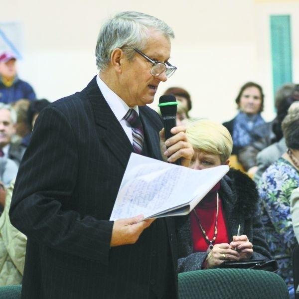 Leszek Kamiński zaskoczył prezydenta Truskolaskiego. Na wczorajsze spotkanie przygotował kilkunastominutową recytację. W wierszu zgrabnie omówił problemy mieszkańców Osiedla Młodych.
