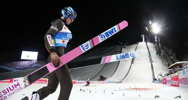 Jakub Wolny zajął 7. miejsce w kwalifikacjach na skoczni w Kuusamo. Zobacz, gdzie obejrzeć transmisję konkursu.