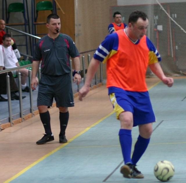 Piłkarze grali w Zespole Szkół w Kobylnicy.