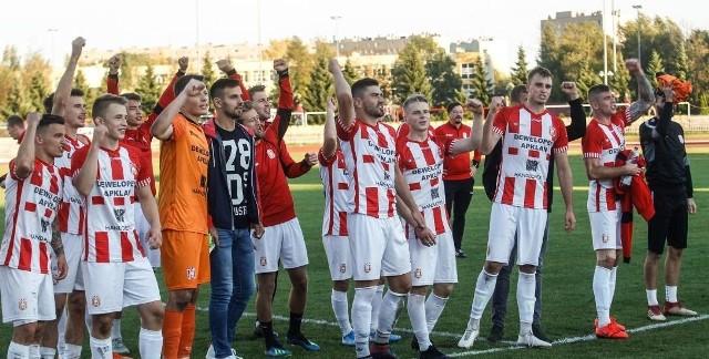 Apklan Resovia (6:0 z Gryfem Wejherowo i 0:1 z Bytovią Bytów), Górnik Polkowice (4:1 ze Skrą Częstochowa i 2:1 ze Stalą Rzeszów).