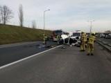 A2: Kolejny wypadek na autostradzie - kobieta jechała pod prąd i uderzyła w dwa inne samochody [ZDJĘCIA]