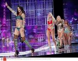 """Victoria's Secret 2017 [ZDJĘCIA] """"Aniołki"""" w Szanghaju, modelki zaprezentowały m.in. Fantasy Bra"""