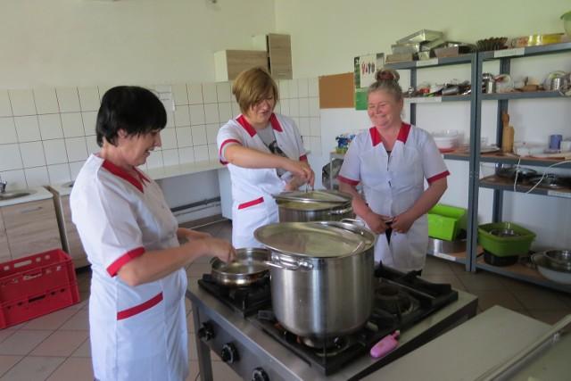 Na zadjęciu: Agata Cygańska, Aneta Urbańska i Jolanta Lewandowska. Do spółdzielni należą też Aneta Tarczewska i Halina Obiała.