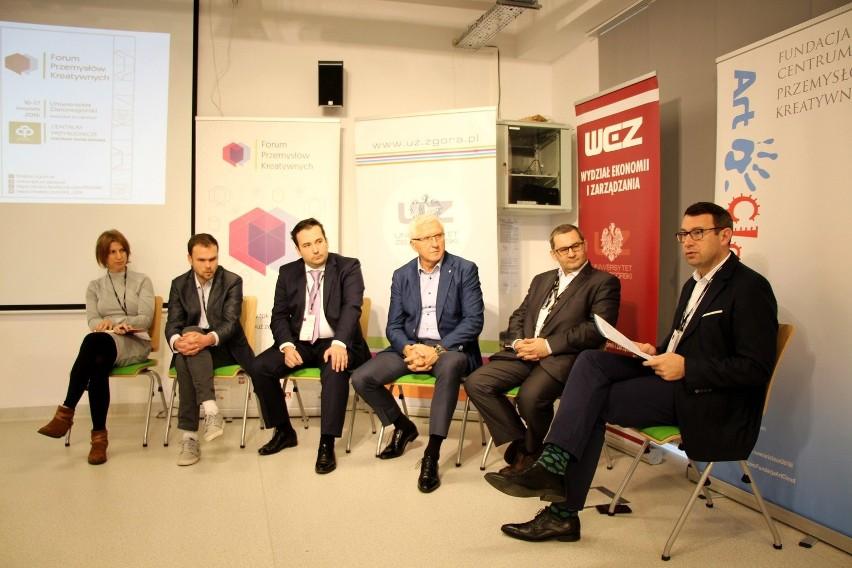 Od lewej: Monika Tomczyk - Media Dizajn, Tomasz Łogutko - e-System24, Michał Doligalski - PTI KZG, Wadim Tyszkiewicz - prezydent Nowej Soli, Jacek Paczkowski - Patents Factory Ltd., Jarosław Nieradka - OPZL
