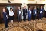 Uniwersytet Medyczny Białystok. Nowi prorektorzy i dziekani UMB. Rektor powołał ich na kadencję 2020-24