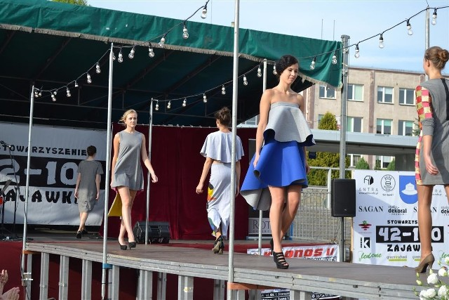 Pokaz mody w Kłobucku. Piękne kreacje na pięknych modelkach