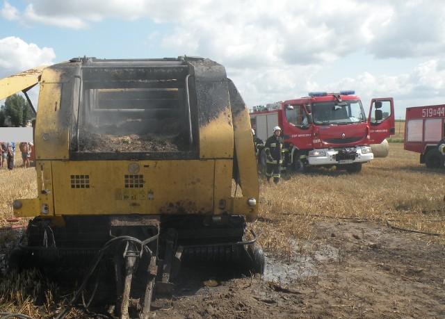 Pożar całkowicie zniszczył prasę w Mroczenku. Zużycie łożyska jest częstą przyczyną pożarów pras podczas żniw. Natomiast w Kurzętniku przyczyną było wyłączone myślenie kierowcy, która nie ustąpiła pierwszeństwa przejazdu