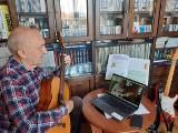 Centrum Kultury w Sianowie: na hiszpański i gitarę przed ekrany komputerów