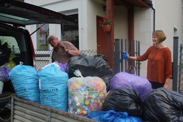 Przedszkolaki ze Szczytnik zgromadziły ogromne ilości plastikowych nakrętek, które umożliwią pomoc osobom potrzebującym