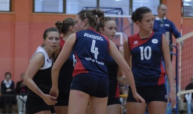 Magda Pater (pierwsza z lewej) już nie będzie grać w słupskim klubie.