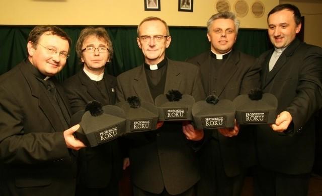 Na zdjęciu (od lewej) księża: Norbert Dragon, Alfred Skrzypczyk, Franciszek Drenda, Bernard Mocia i Piotr Burczyk.