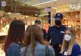 Policja kontroluje lubelskie galerie handlowe. Sprawdzą między innymi, czy klienci noszą maseczki i zachowują dystans