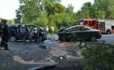 Czołowe zderzenie pod Bełchatowem. Trzy ofiary śmiertelne, w tym 8-letnia dziewczynka