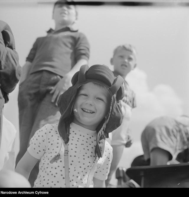 W zbiorach Narodowego Archiwum Cyfrowego znajduje się około 15 milionów zdjęć.