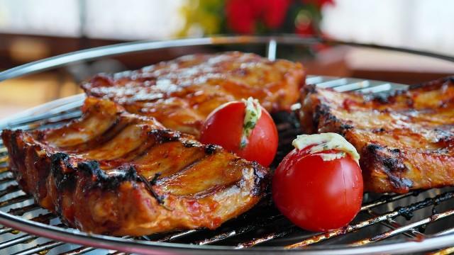 Co i jak grillują Europejczycy? Zobaczcie przepisy na dania z grilla z różnych części Europy!