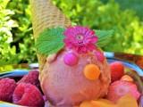Takie są przepisy na domowe desery lodowe z wykorzystaniem truskawek, czy malin. Zobaczcie!