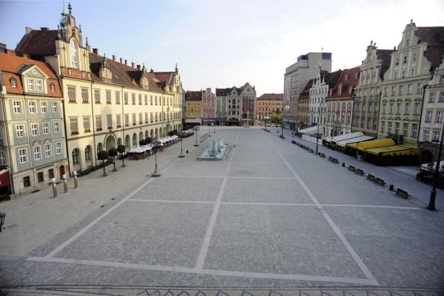 Z Wrocławia zniknie ponad 50 tys. samych tylko zameldowanych osób - to mniej więcej tak jakby wyludniło się całe Stare Miasto (liczy 52 tys. mieszkańców)!