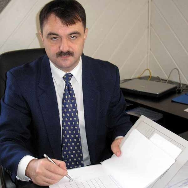 Prok. Bogdan Gunia, szef Prokuratury Rejonowej w Stalowej Woli. - Prowadzimy postępowanie przygotowawcze w kierunku art. 276 kk, czyli niszczenia dokumentów w szkole. Grozi za to nawet dwa lata więzienia.