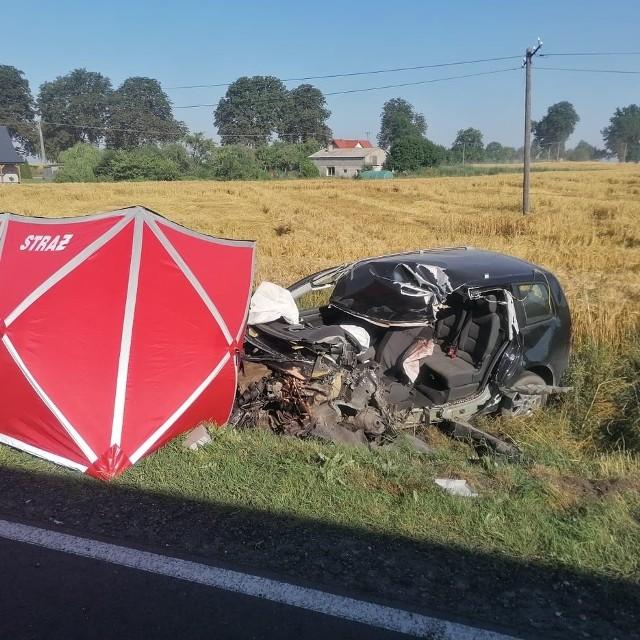 We Pląchotach 6 lipca zderzyły się 2 auta. Zginął 49-letni kierowca osobowego vw