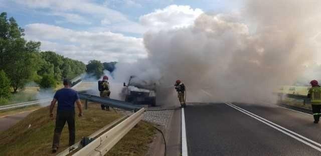W godzinach porannych na obwodnicy Sławna doszło do pożaru...