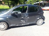 Wypadek autobusu miejskiego w Jastrzębiu. Zderzył się z osobówką. Ucierpiało starsze małżeństwo. 79-latkowie doznali poważnych obrażeń