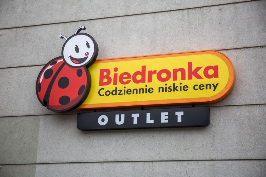 5a7314be2fa7ef Biedronka Outlet w Gdańsku już otwarta. Kupimy tu produkty z rabatami nawet  do 80 procent
