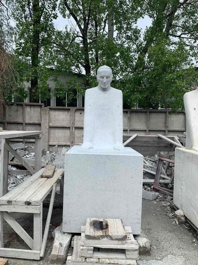 Rzeźba ks. Emiliana Kowcza powstaje w Kijowie