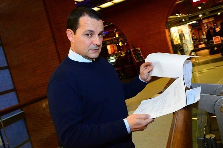 Jesus Ramon Davila Romero, kuzyn właściciela, przyjechał do Polski, by w końcu odebrać audi. Jest zdziwiony, że prokuratura przez kilka lat nie informowała ich o przekazaniu auta innej osobie