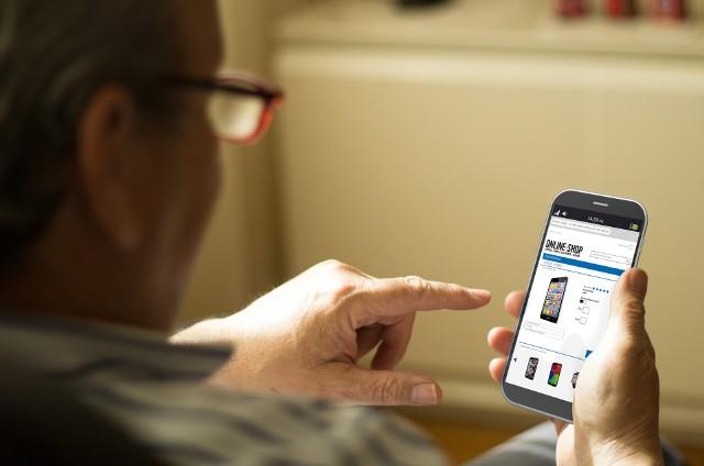 Pomimo ogromnej popularności, transakcje online stanowią dla wielu osób źródło obaw, również tych związanych z oszustwami i cyberprzestępczością.